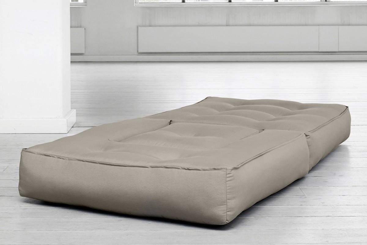 Poltrona letto cube un innovativo futon trasformabile for Poltrona letto futon